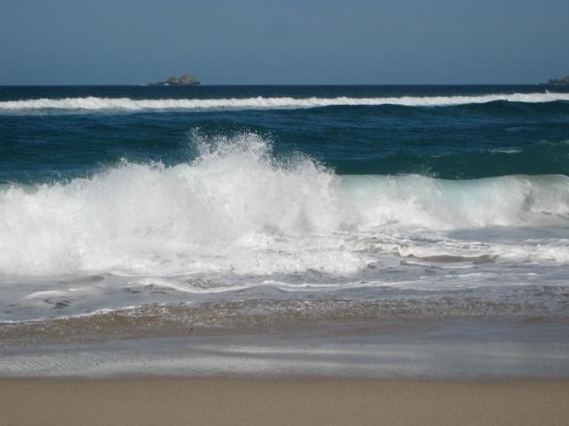 Waves crashing in