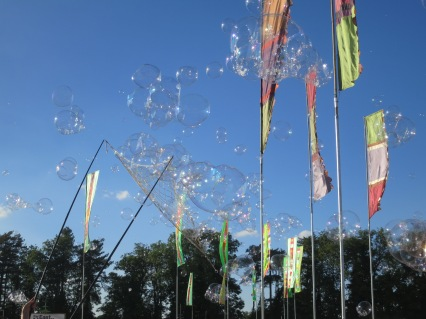 Flags and bubbles