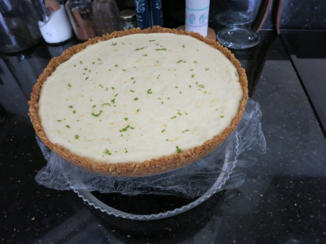 Getting the Cheesecake out of the tin