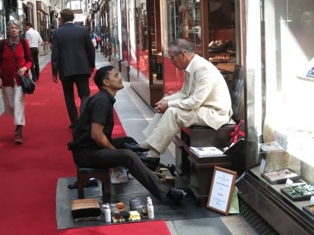 Shoeshine conversation