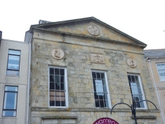The old Assembly Rooms built in 1780 which had inside a ballroom and a theatre hence Mr Garrick and Mr Shakespeare having their portarits in stone on the frontage