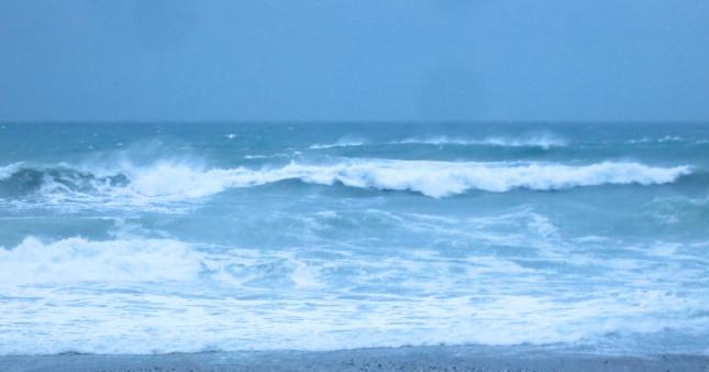 Wild seas at Porthtowan
